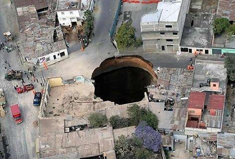 Guatemala-Sinkhole.jpg