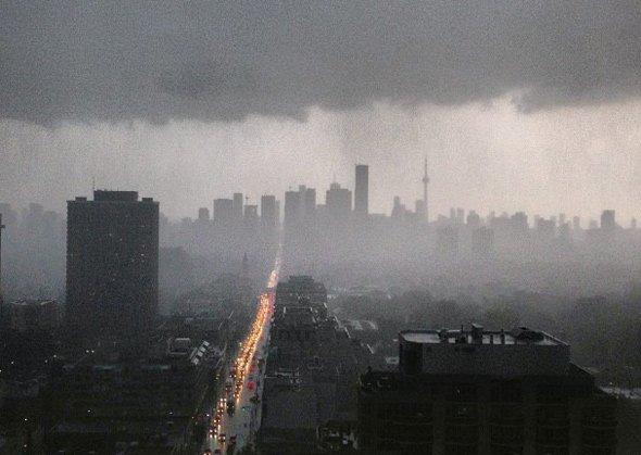 201379-rain-toronto.jpg