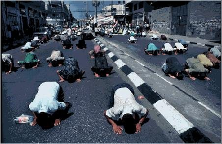 Hamas-militants.jpg