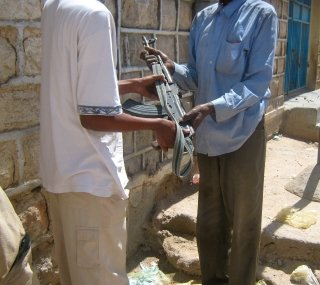Buying_a_Gun_in_Somaliland.jpg