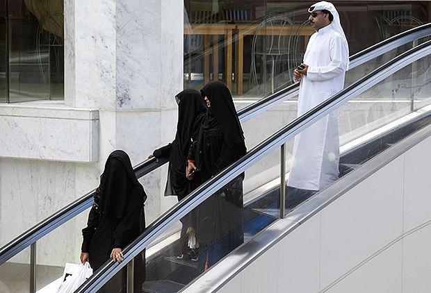 Gulf Arabs visiting a shopping mall in Abu Dhabi